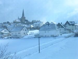 Kallenhardt im Winter -- Blick vom Haus